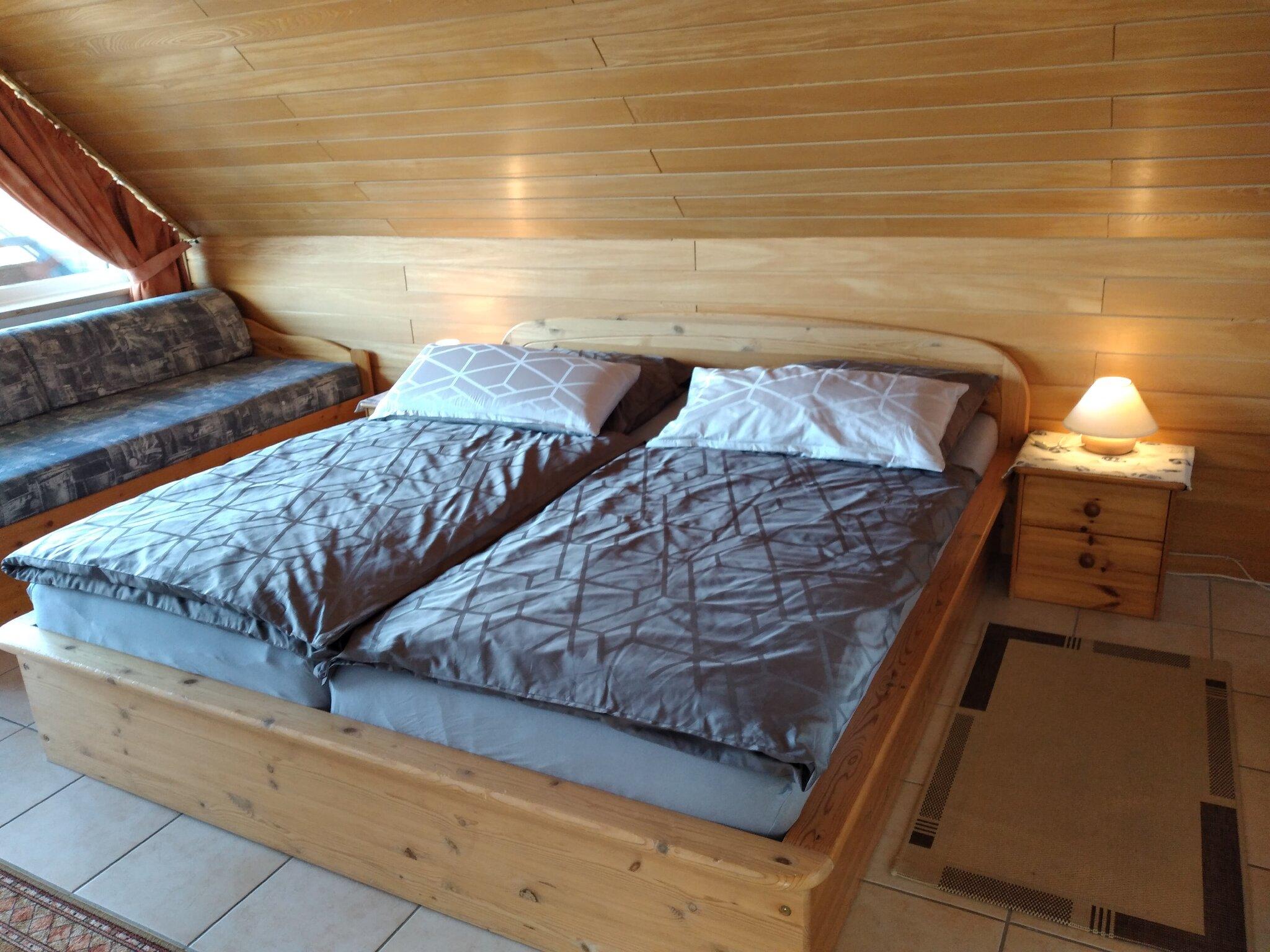 Wohnzimmer im Ergeschoss Terrassenzugang