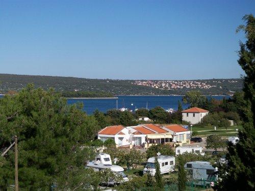 Balkonmeerblick auf die Bucht von Punat