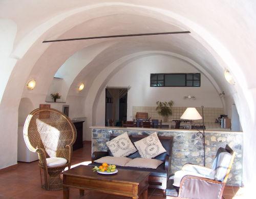 Große Wohnküche mit separater Sitzecke