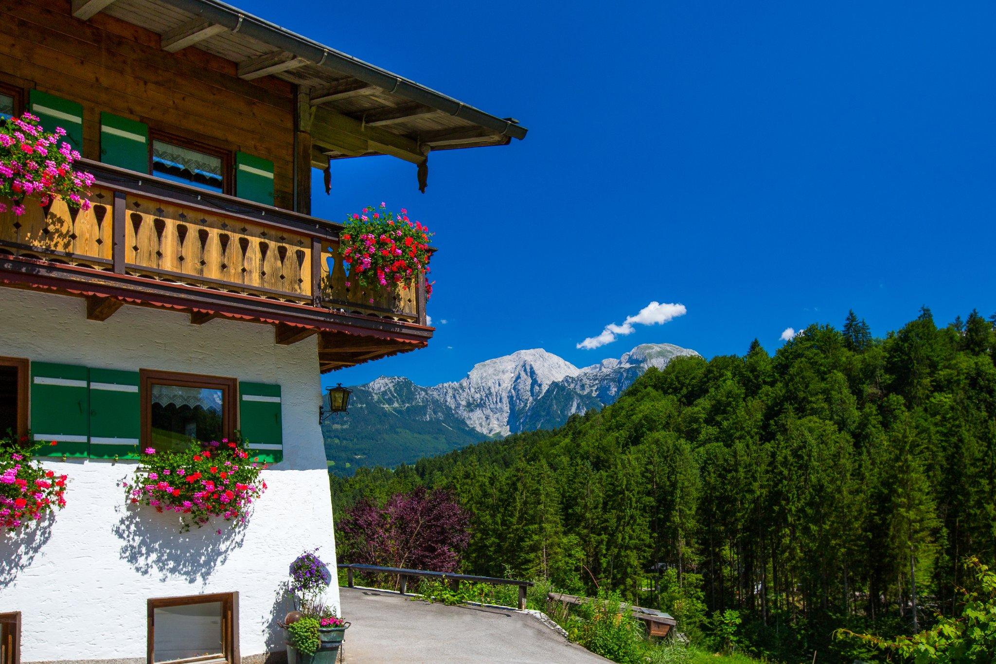 Haus Wiesenlehen und der Watzmann