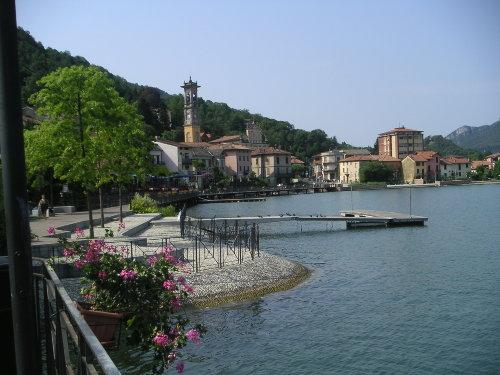 Porto Ceresio, Uferpromenade