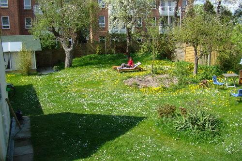 Sonne tanken im Garten