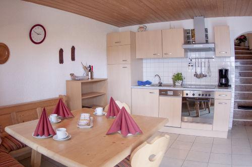 Küche mit Eckbank im Erdgeschoss