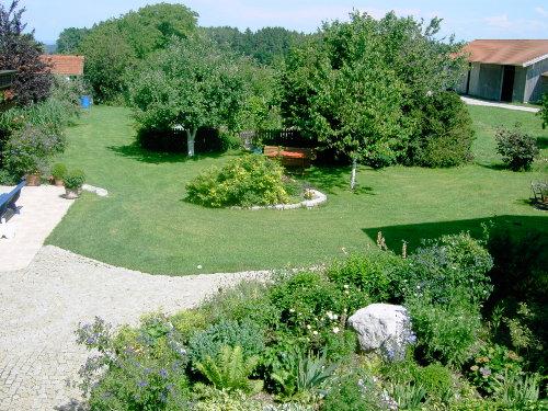 Blick auf Garten und Innenhof
