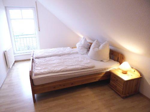 Groß geschnittenes Elternschlafzimmer