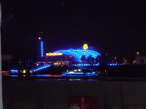 Musicel König der Löwen im blauen Hafen
