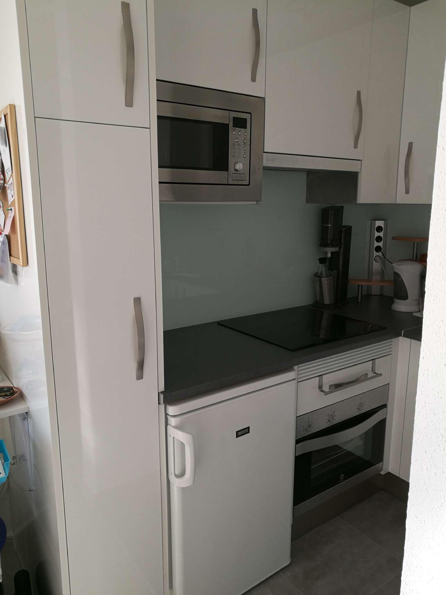 Küche (noch nicht rollstuhlgerecht)