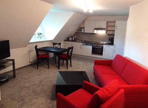Wohnzimmer/Küchenzeile 2015 neu möbliert