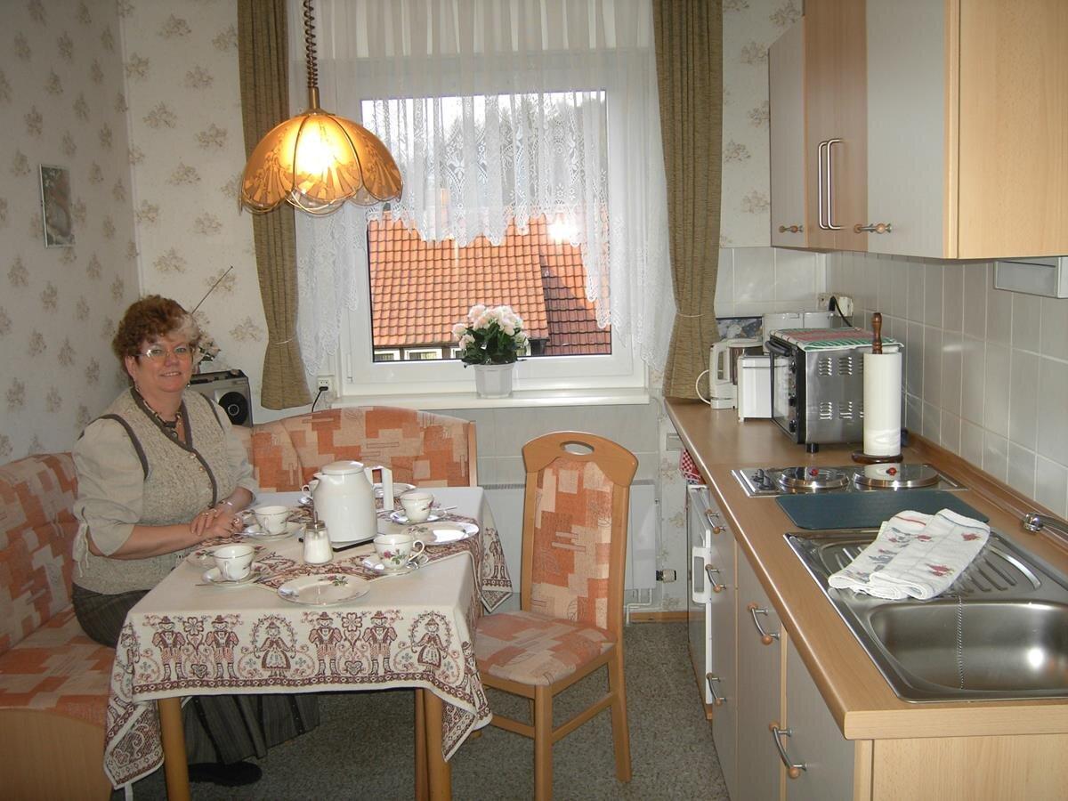 FW. Rose Küche mit Essecke