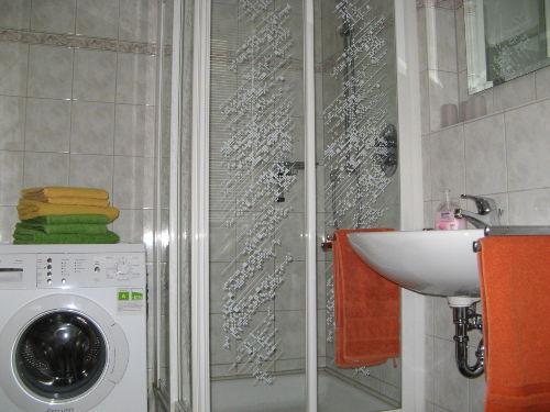 Duschbad in Ferienwohnung Backhues