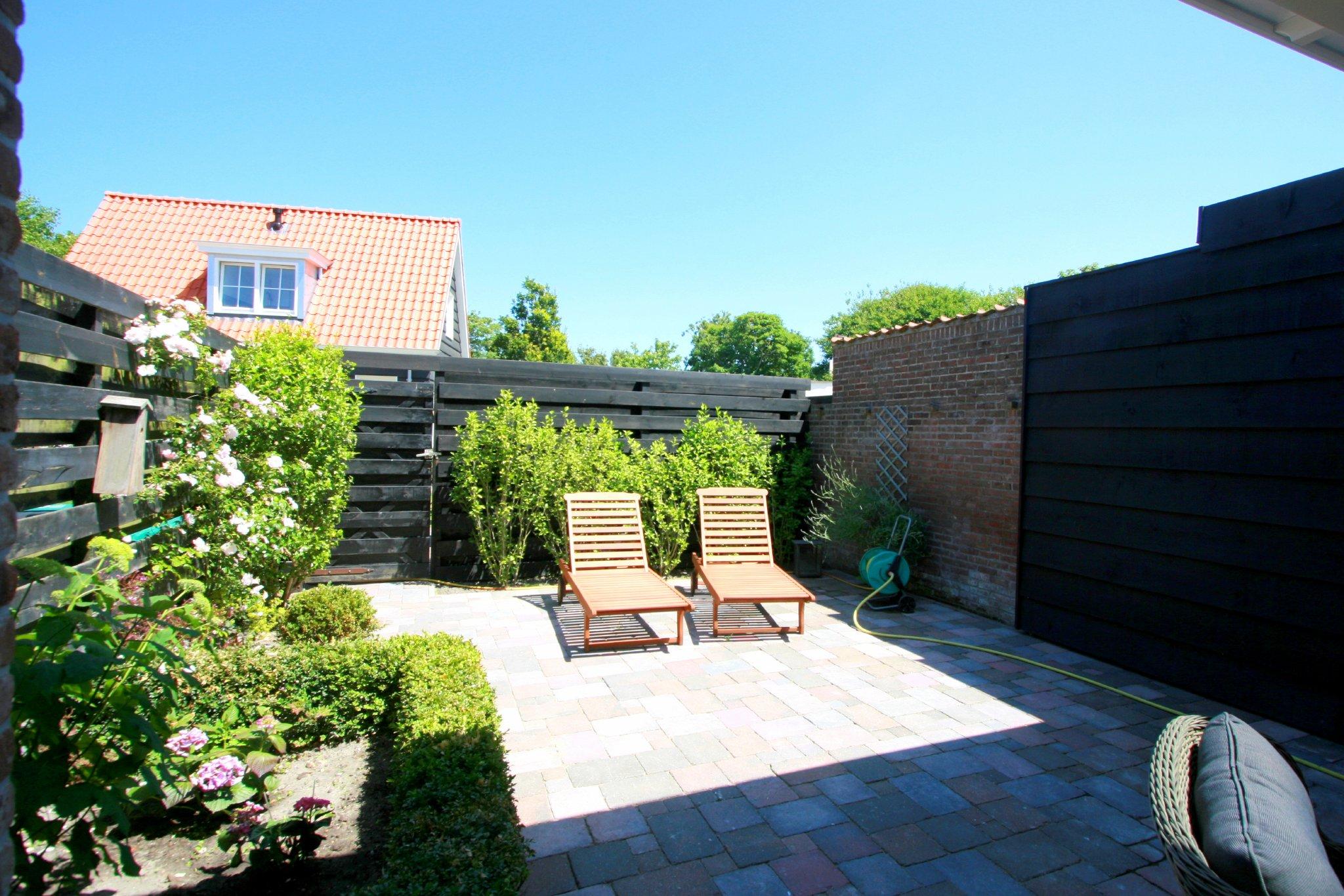 Sonnigen Terrasse / Garten