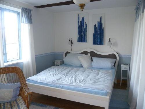 Schlafzimmer groß 1