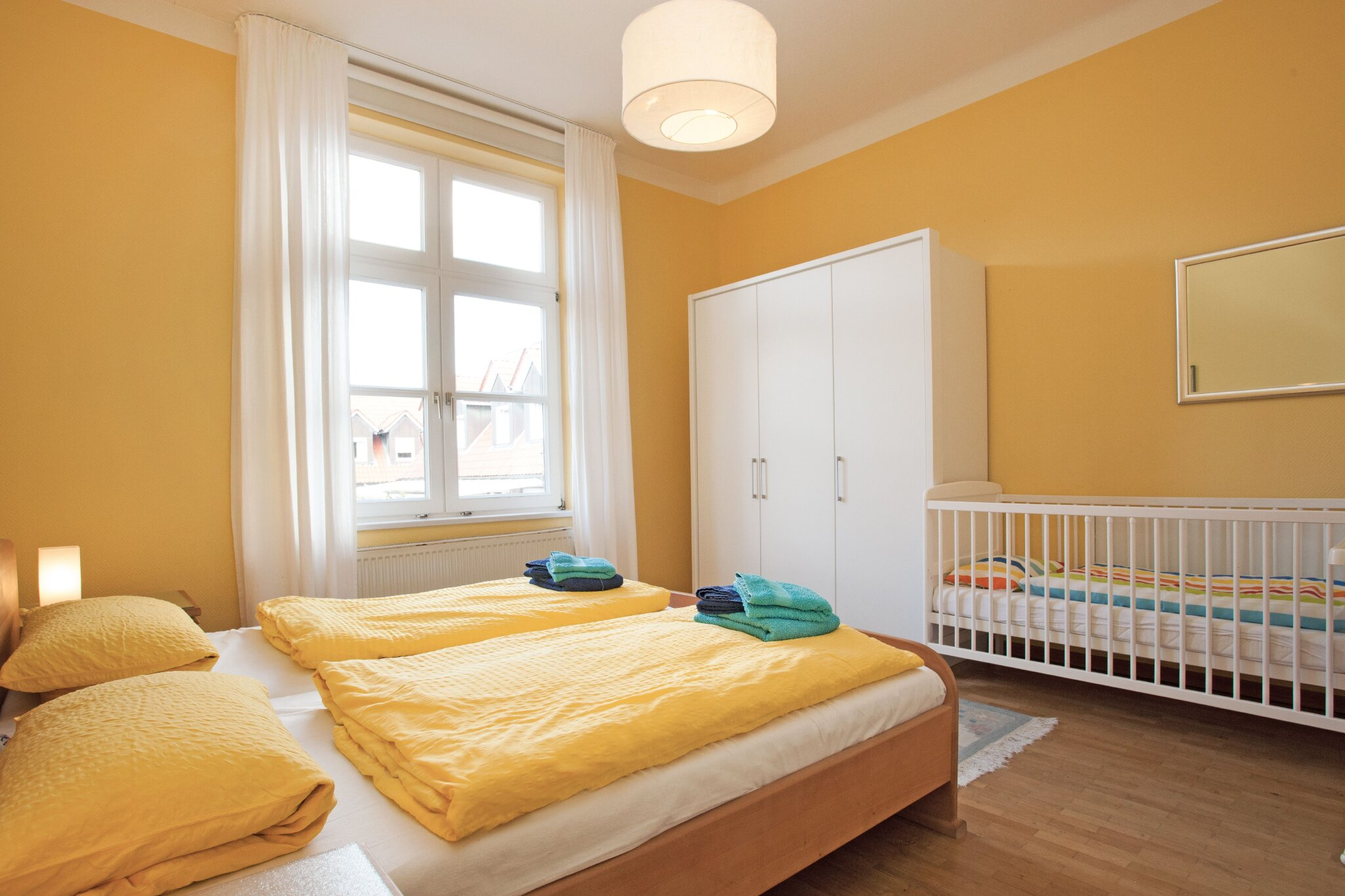 Schlafzimmer 1 Blickrichtung Flur