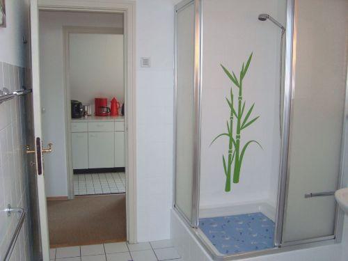 Große feste Duschkabine :-) (-: