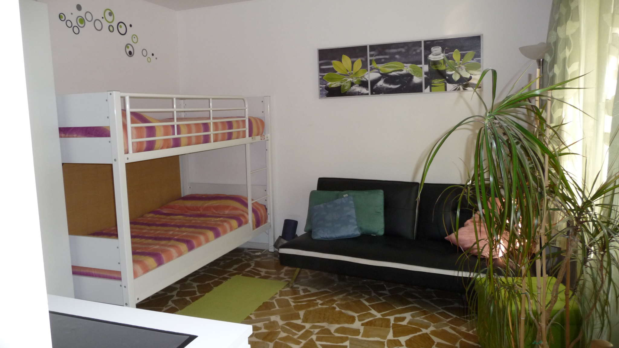 Schlafzimmer , Stockbett u.Bettsofa