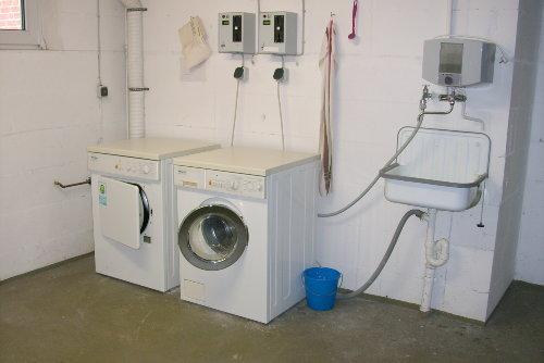 Waschküche im Haus, gegen Gebühr