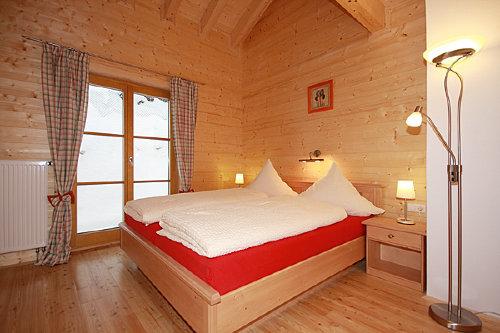 Eines der beiden Schlafzimmer im OG.