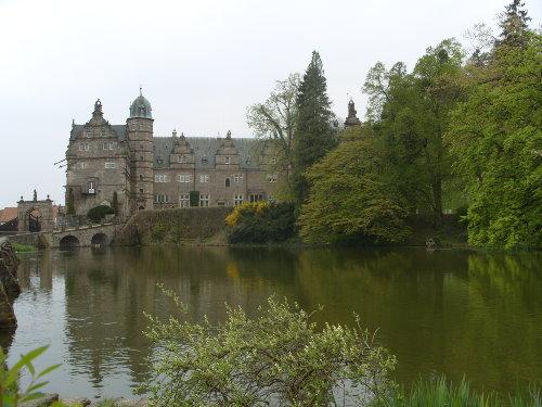 Schloss Hämelschenburg (30km)