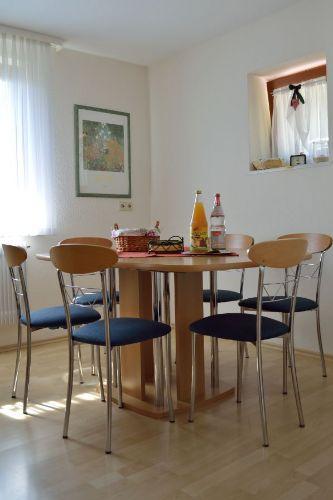 Küche: Ansicht Esstisch