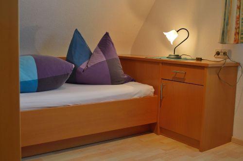 2. Schlafzimmer: Ansicht Einzelbett