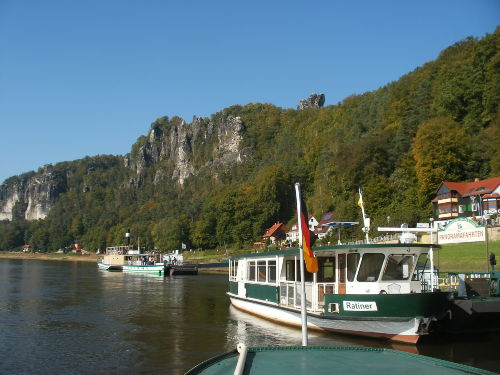 Elbe mit Basteifelsen