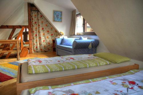 Kinderzimmer mit Schlafsofa