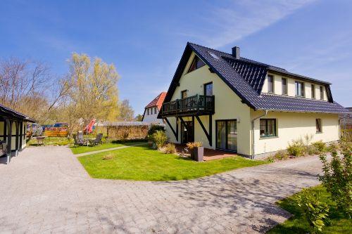 haus am wasser ferienwohnung wasserblick in middelhagen mecklenburg vorpommern kathrin. Black Bedroom Furniture Sets. Home Design Ideas