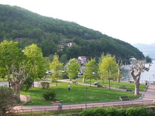 Blick auf die Piazza vom Balkon