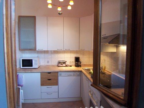 Blick von der Terrasse in die Küche