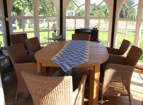 Blumenfenster zum Garten