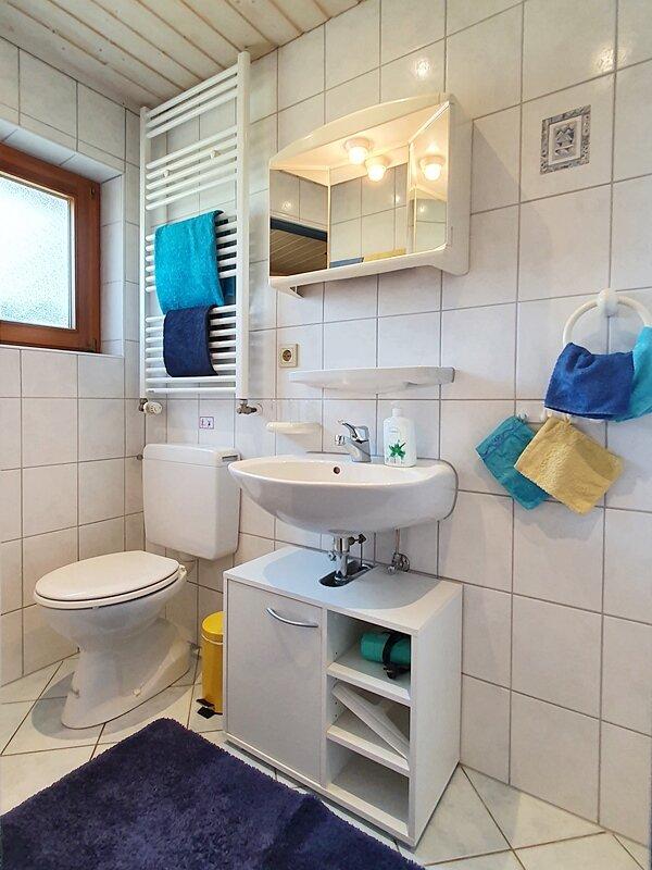 Küche + Dusche/WC