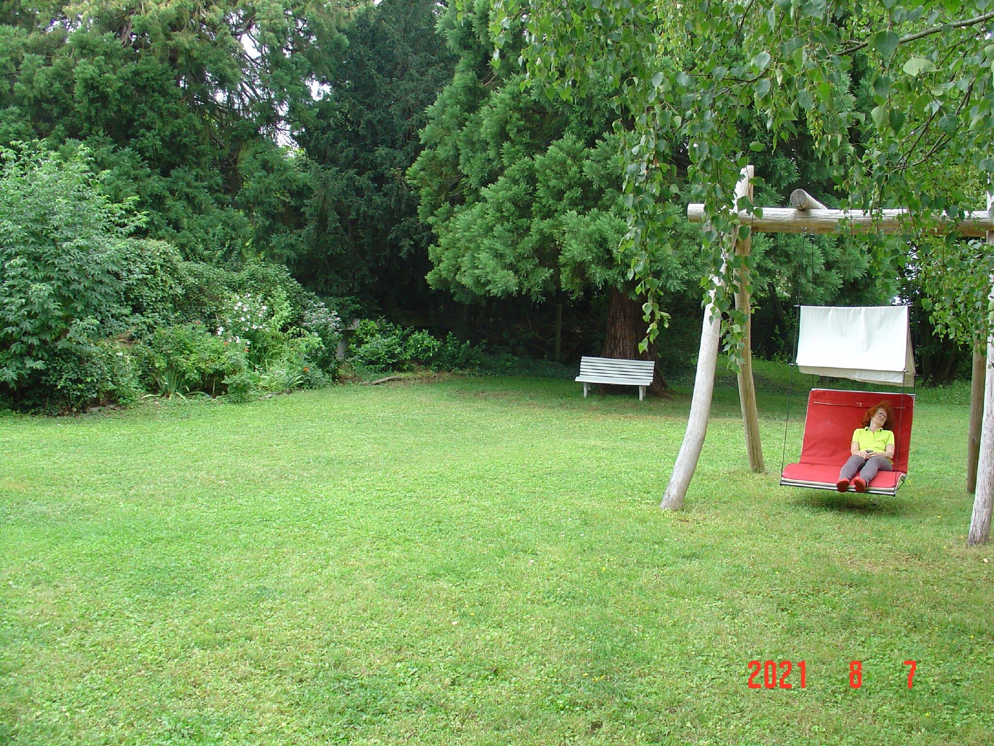 Garten mit Ferienhaus