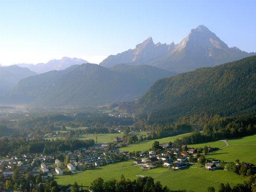 Blick auf Bischofswiesen und Watzmann