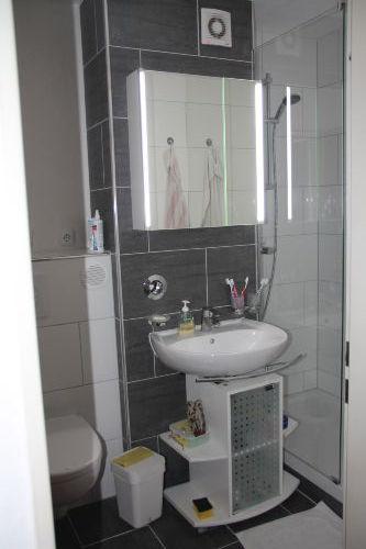 das neue Bad mit Dusche