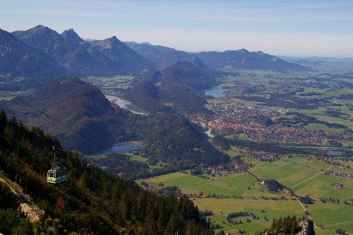 Tegelbergbahn mit Blick auf Füssen