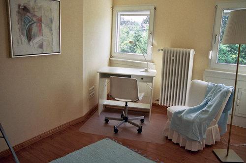 Wohn-/ Schlafzimmer / Büro