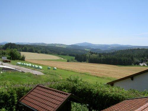 Sicht vom Balkon nach Österreich