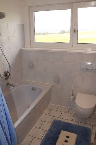 Bad mit Duschstange