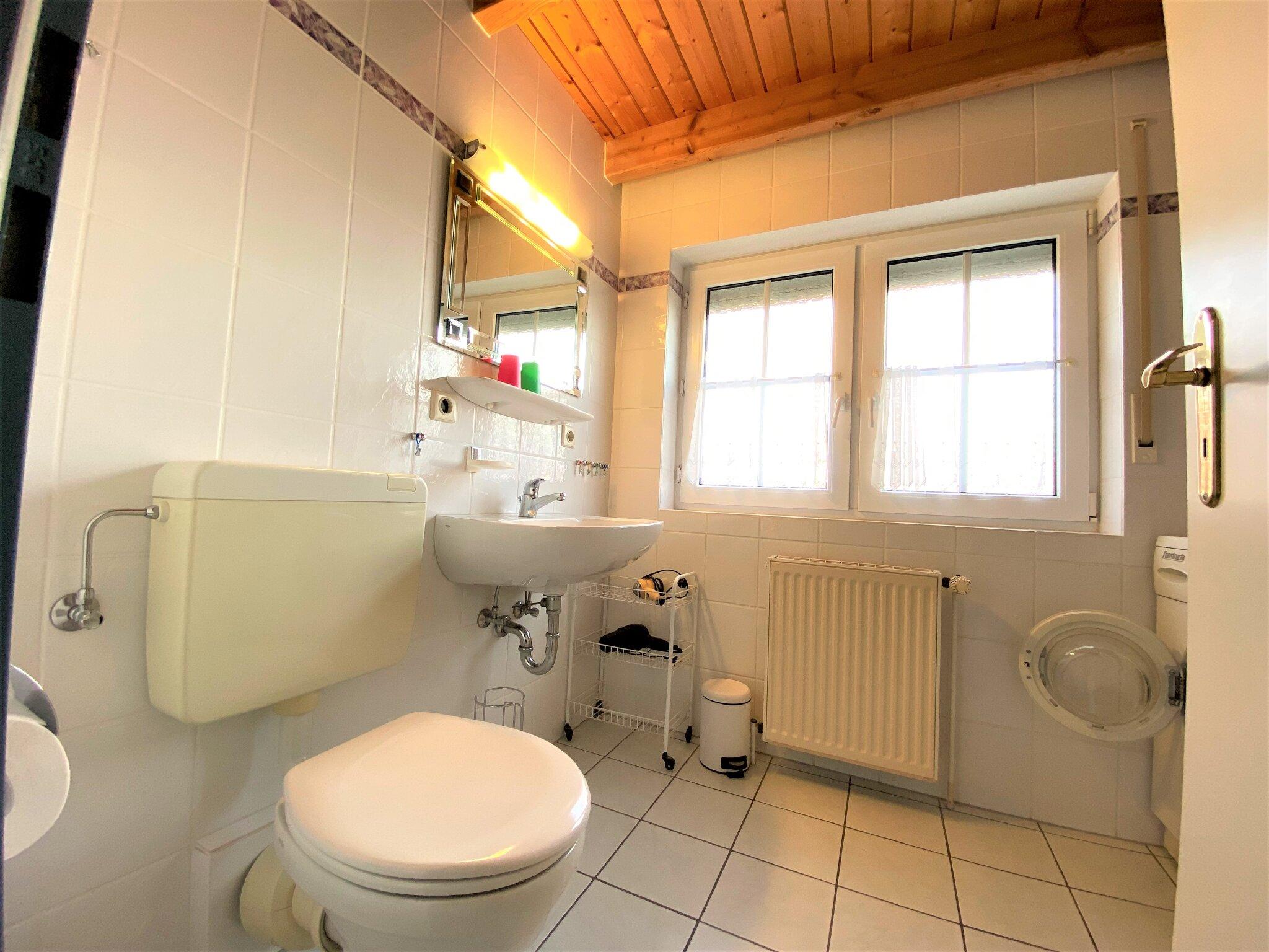 Das Badezimmer im 1.OG