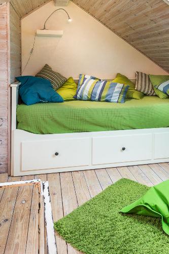 richtiges Bett mit zwei Matratzen
