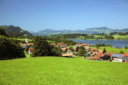 Petersthal mit Blick auf den Rottachsee