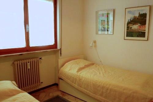 2. Schlafzimmer (3 Betten)