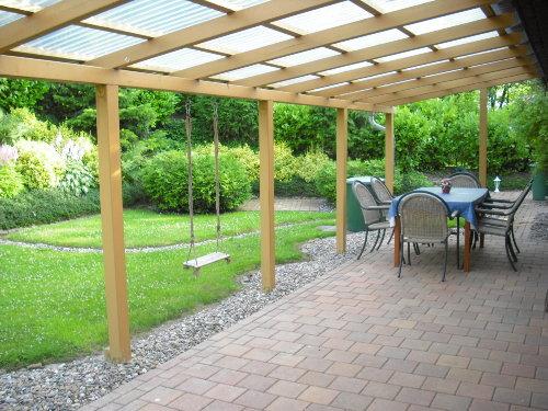 Überdachte Terrasse mit Sitzplatz