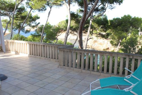 Große Terrasse mit Meerblick