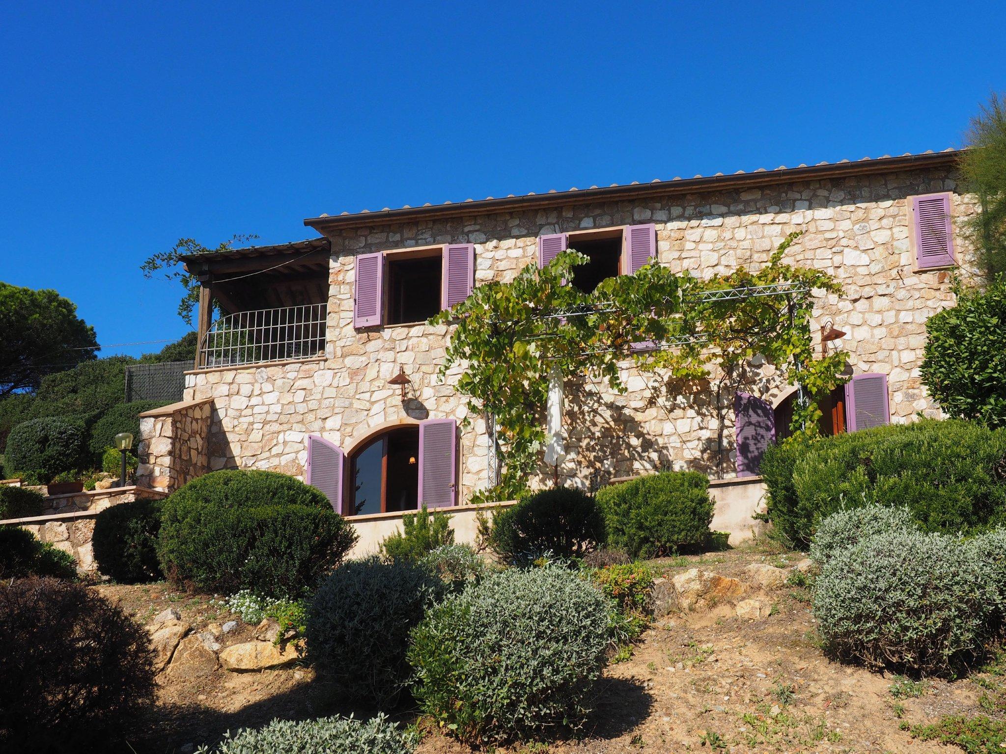 Außenansicht der Villa Golfo Stella