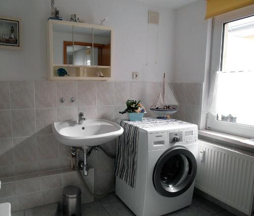 Bad + Waschmaschine