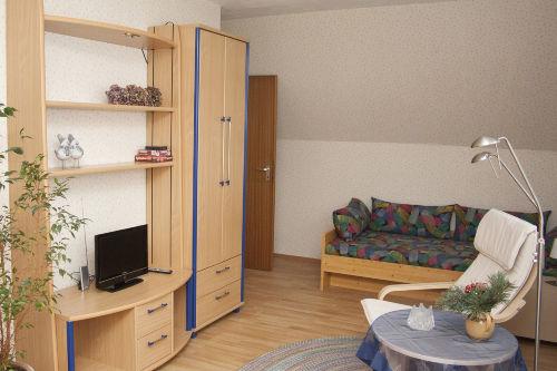 2. Wohnzimmer mit Schlafbereich 2