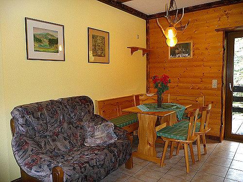 Blick in eine Ferienwohnung (Küche)