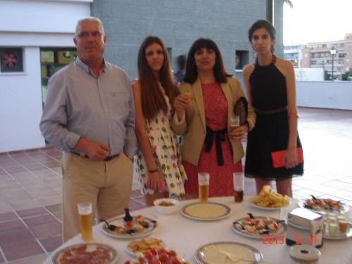 FAMILIE RAMIREZ ,SCHULABSCHLUS FEST