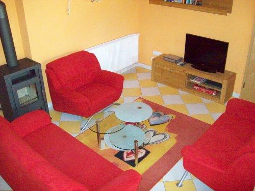 Wohnbereich mit LCD-TV (80 cm)